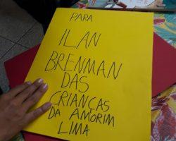 Escritor Ilan Brenman conversa com estudantes da Amorim Lima